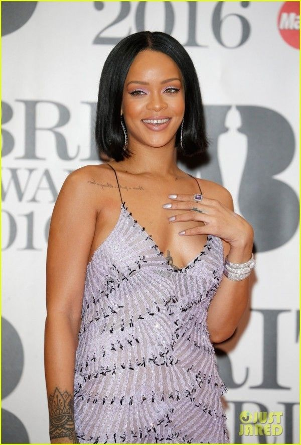 LONDON, ENGLAND - FEBRUARY 24: Rihanna attends the BRIT Awards 2016 at The O2 Arena on February 24, 2016 in London, England. (Photo by Luca Teuchmann/Getty Images)